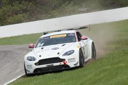 #34 Stephen Cameron Racing Aston Martin Vantage GT4: Nick Esayian