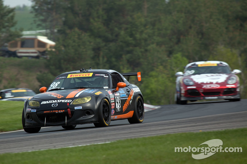 #98 Breathless Racing Mazda MX-5: Ernie Francis Jr.