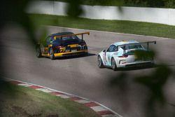 #77 Phoenix American Motorsports Porsche 911 GT3 Cup: Preston Calvert #81 DragonSpeed Porsche 911 GT3 Cup: Victor Gomez