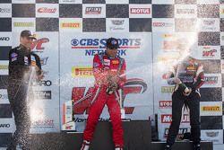 TCA podium: pemenang balapan Felipe Merjech, posisi kedua Patrick Seguin, posisi ketiga Emilee Tomin