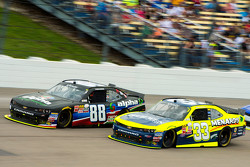 Ben Rhodes, JR Motorsports Chevrolet en Brandon Jones, Richard Childress Racing Chevrolet