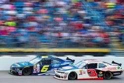 Darrell Wallace Jr., Roush Fenway Racing Ford en Ty Dillon, Richard Childress Racing Chevrolet