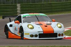 #86 Gulf Racing UK Porsche 911 RSR: Michael Wainwright, Adam Carroll, Philip Keen
