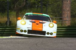 #86 Gulf Racing UK Porsche 911 RSR : Michael Wainwright, Adam Carroll, Philip Keen