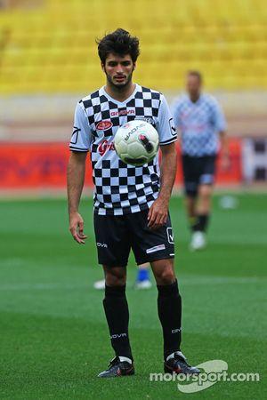 Carlos Sainz Jr. Scuderia Toro Rosso en el partido de fútbol a beneficio