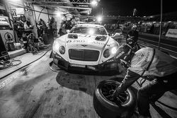 Pit stop for #11 Bentley Team HTP Bentley Continental GT3: Harold Primat, Christopher Brück, Clemens