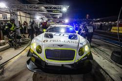 Pit stop for #11 Bentley Team HTP Bentley Continental GT3: Harold Primat, Christopher Brück, Clemens