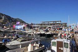 Яхты в порту Монако и