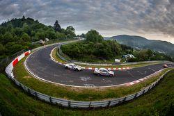 #182 Hipercars GmbH BMW 330i: Dale Lomas, Johan Sveberg, #6 Aston Martin Racing Aston Martin Vantage