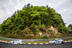 #190 Aesthetic Racing BMW 325i E90: Heinz-Jürgen Kroner, Petra Baecker, #254 Team Flying Horse Opel Astra OPC Cup: Raphael Hundeborn, Winfried Assmann, Ronja Assmann