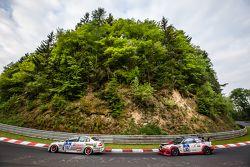 #182 Hipercars GmbH, BMW 330i: Dale Lomas, Johan Sandberg und #83 Hofor-Racing, BMW M3 CSL: Martin Kroll, Michael Kroll, Ronny Tobler