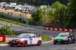 #83 Hofor-Racing BMW M3 CSL: Martin Kroll, Michael Kroll, Ronny Tobler, #143 MSC Sinzig e.V. im ADAC
