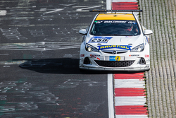 #250 Team Schirmer Opel Astra OPC Cup : Volker Strycek, Markus Oestreich, Moritz Oestreich, Robin Strycek