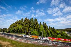 #254 Team Flying Horse Opel Astra OPC Cup : Raphael Hundeborn, Winfried Assmann, Ronja Assmann, #65 Porsche 997 Cup : Uwe Kolb, Didier Denat, Thomas König, Lorenzo Rocco