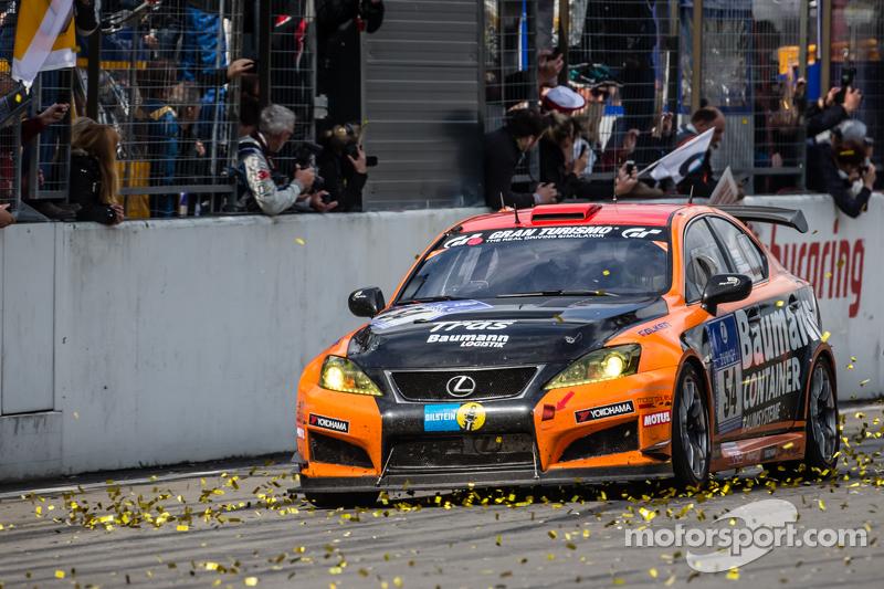 Checkered flag: #54 Team Lexus Lexus ISF CCS-R: Helmut Baumann, Horst Baumann, Lorenz Frey, Fredy Barth