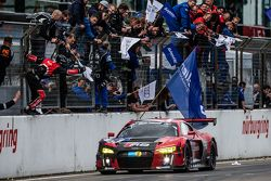 Checkered flag: #29 Audi Sport Team WRT Audi R8 LMS: Nicki Thiim, Christer Jöns, Pierre Kaffer, Laurens Vanthoor