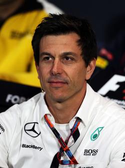 Toto Wolff, azionista e direttore esecutivo del team Mercedes AMG F1 alla conferenza stampa FIA