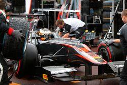 Стоффель Вандорн, ART Grand Prix, меняет шины super-soft на дождевые покрышки