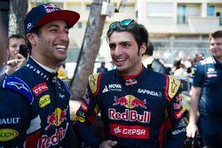 Даниэль Риккардо, Red Bull Racing И Карлос Сайнс мл., Scuderia Toro Rosso
