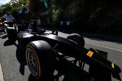 Auto GP2 con gomme Pirelli da 18 pollici