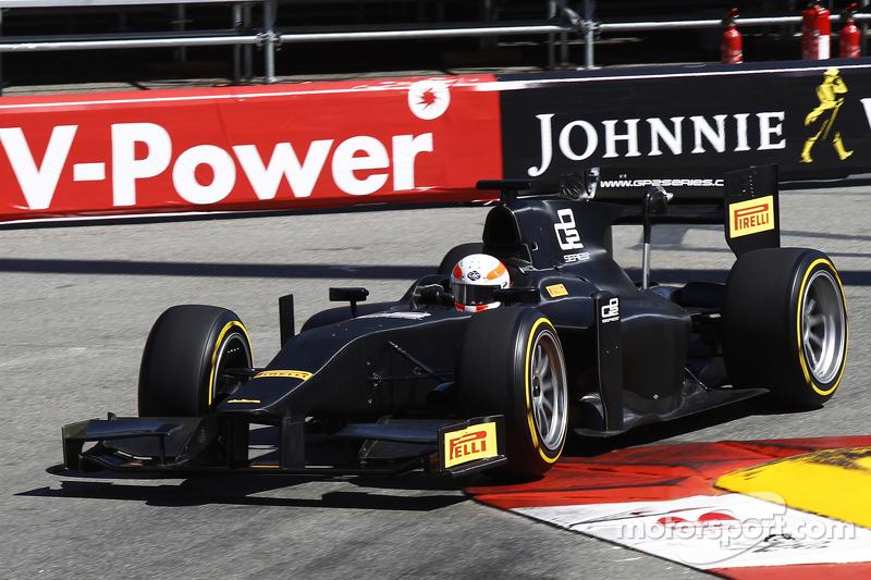 Martin Brundle menjajal mobil GP2 berpelek 18 inci