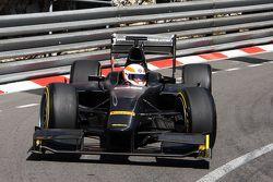 Martin Brundle, Commentatore Sky Sports prova gli pneumatici Pirelli da 18 pollici con un'auto GP2