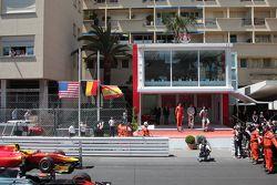 Podio: secondo posto Alexander Rossi, Racing Engineering, il vincitore Stoffel Vandoorne, ART Grand