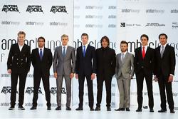 Гонщики Формулы 1 на показе мод Amber Lounge Fashion