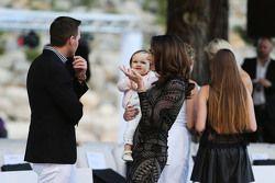 Tamara Ecclestone, con su esposo Jay Rutland, y su hija Sophia Ecclestone-Rutland, en e Amber Lounge
