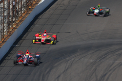 Justin Wilson, Andretti Autosport Honda and Sebastian Saavedra, Chip Ganassi Racing Chevrolet and To