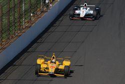 Ryan Hunter-Reay, Andretti Autosport Honda et Will Power, Team Penske Chevrolet
