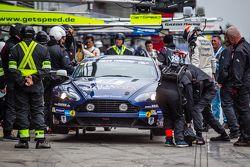 Pit stop per #88 Stadavita Racing Team Aston Martin Vantage V8 GT4: Scott Preacher, Robert Thomson
