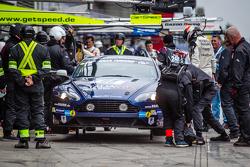 Parada en pits de #88 Stadavita Racing Team Aston Martin Vantage V8 GT4: Scott Preacher, Robert Thom