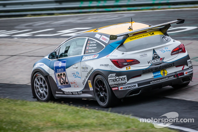 #252 Bliss Autosport, Opel Astra OPC Cup: Roland Poulsen, Axel Duffner, Oliver Bliss
