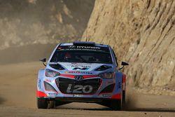 Thierry Neuville y Nicolas Gilsoul, Hyundai i20 WRC Hyundai Motorsport