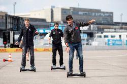 Nelson Piquet Jr., China Racing, Scott Speed, Andretti Autosport, Jérôme d'Ambrosio, Dragon Racing intentan una nueva forma de transporte