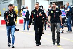 Джолион Палмер, тестовый и резервный пилот Lotus F1 Team, Федерико Гастальди, Lotus F1 Team и Мэттью Картер, Lotus F1 Team