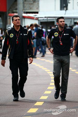 (Von links nach rechts): Federico Gastaldi, stellvertretender Teamchef Lotus F1 Team, mit Geschäftsf