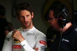 Romain Grosjean, Lotus F1 Team avec Julien Simon-Chautemps, ingénieur de course Lotus F1 Team