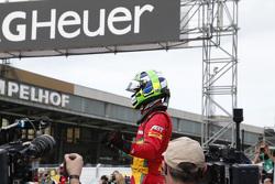 Переможець гонки Лукас ді Грассі, Audi Sport Team Abt