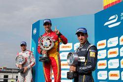 Podio: Ganador Lucas di Grassi, el segundo lugar Jérôme d'Ambrosio, tercer lugar Sébastien Buemi