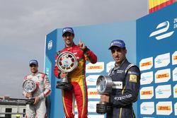 Podio: vincitore Lucas di Grassi, secondo posto Jérôme d'Ambrosio, terzo posto Sébastien Buemi