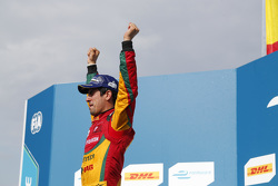 Race winner Lucas di Grassi, Audi Sport Team Abt