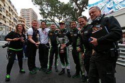 Richie Stanaway, Status Grand Prix, with his team
