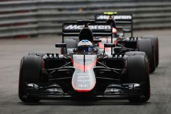 Фернандо Алонсо и Дженсон Баттон, McLaren MP4-30 Honda