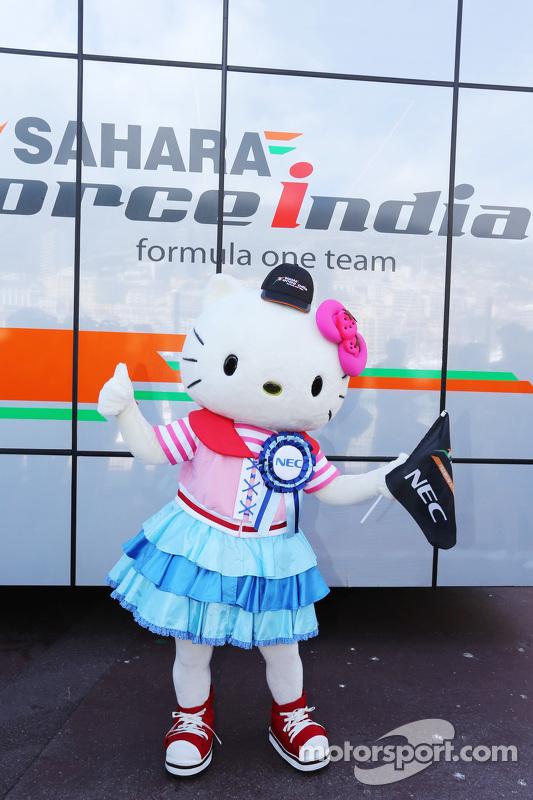 Hello Kitty zu Gast bei Sahara Force India F1 Team
