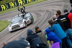 Petter Solberg celebrates at Lydden Hill