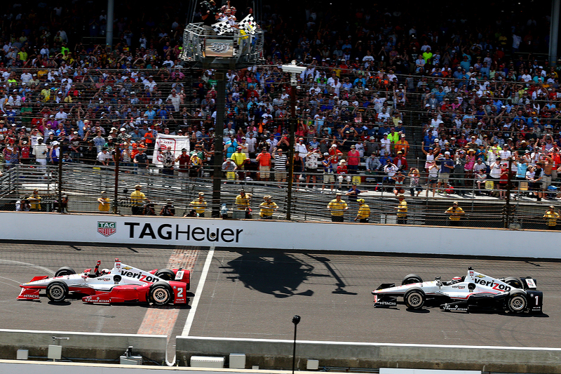 Juan Pablo Montoya ringt Will Power nieder