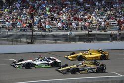 Sebastien Bourdais, KVSH Racing, Ryan Briscoe, Schmidt Peterson Motorsports Honda and Ryan Hunter-Reay, Andretti Autosport Honda