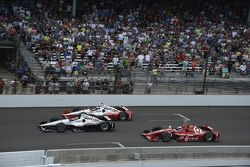 Juan Pablo Montoya, Team Penske Chevrolet, Will Power, Team Penske Chevrolet y Scott Dixon, Chip Gan